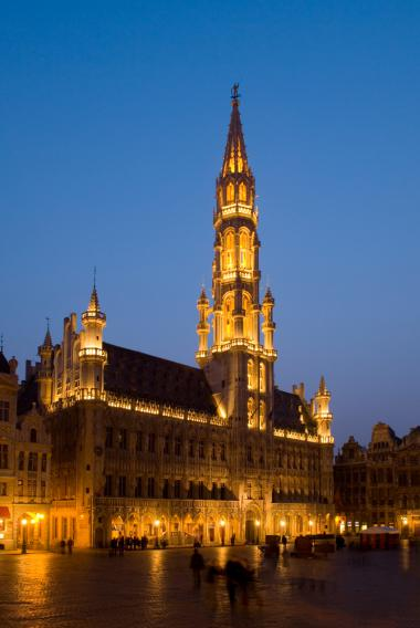 Brussels + Grand Place by night + Brussels shopping tour